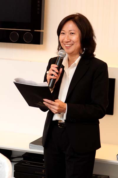 Ms. Phan Siew Yin (COO of Elegance Club Holdings Sdn. Bhd.) during her thank you note to Dr.