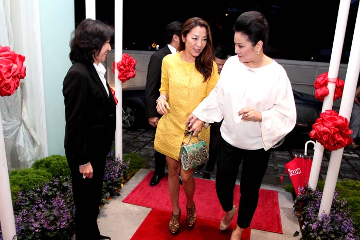 Arrival of Yang Berbahagia Tan Sri Michelle Yeoh at Elegance Club, welcomed by Yang Berbahagia