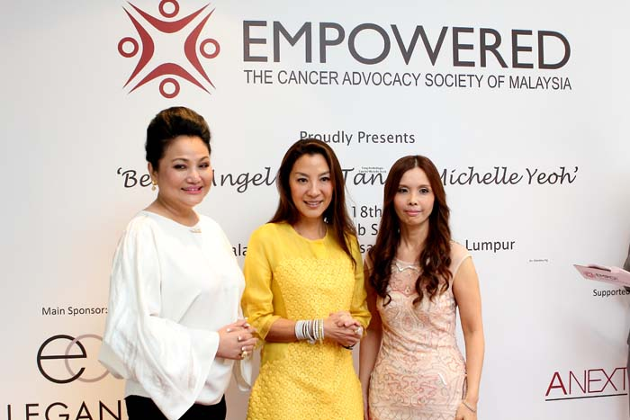 The 3 gorgeous angels of the evening (L-R: Yang Berbahagia Datuk Tracy Ong, Yang Berbahagia
